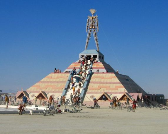 2003-08-Burning Man 214